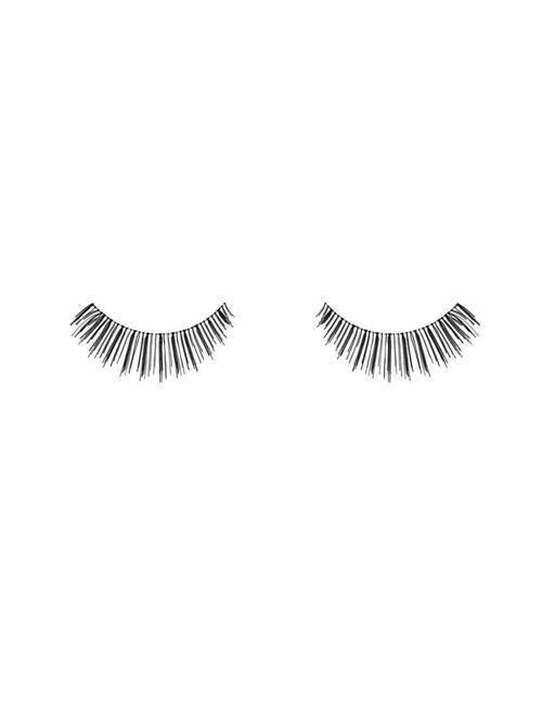 Closeup   ardell professional fashion lashes 124 demi black