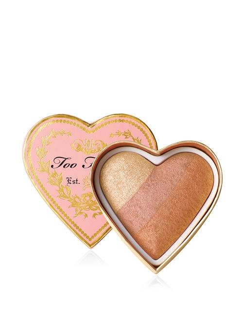 Closeup   sweethearts blush peach beach