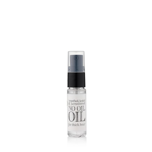 Closeup   oil for thick hair web