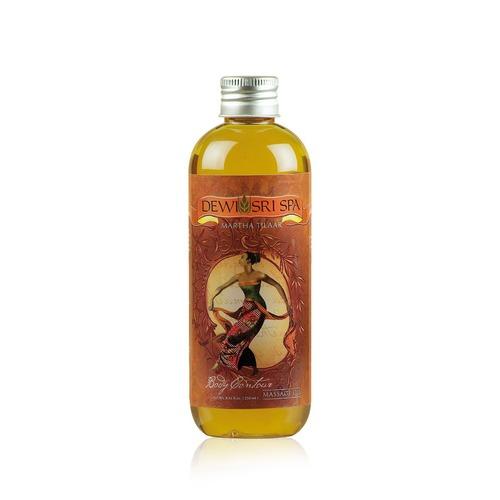 Closeup   body contour     massage oil